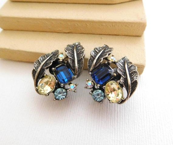Vintage Coro Antiqued Silver Leaf Blue Yellow Rhinestone Clip On Earrings D11