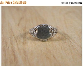 ETSYCIJ Sterling Silver Vintage Childs Shield Ring / Family Crest and Floral Ring / Engraveable Small Baby Signet Ring / Babys First Ring Sz