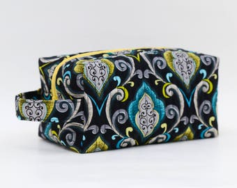 Elegant Swirl Blue/Yellow Green Quilted Cosmetic Bag with Handle, Boxy Pouch; Boxy Bag; Make-Up Bag; Travel Bag; First Aid Kit; Shave Bag