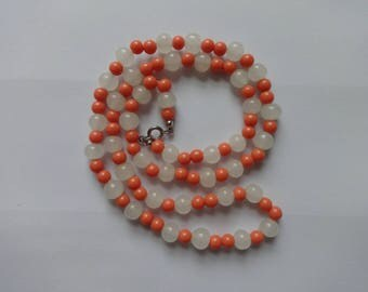 Vintage Glass and Faux Coral Bead Necklace