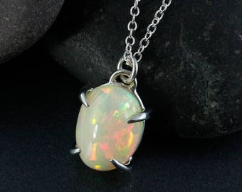 ON SALE Milky White Australian Opal Necklace - 925 Silver - Oval Opal Necklace