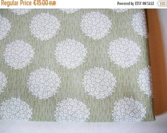 SUMMER SALE - Lovely German Vintage Rustic Green and White Flowerbouquet Fabric for sewing / Sewing supply yardage Patchwork