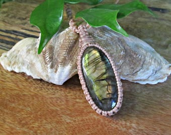 Labradorite Macrame Wrapped Pendant Necklace - Cream Thread