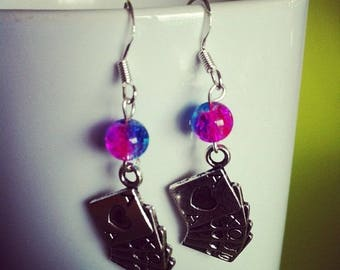 POKER cards earrings fuchsia and blue beads