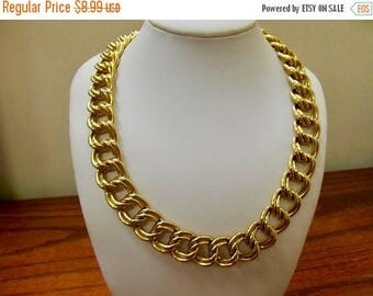 ON SALE Retro Chunky Gold Tone Link Necklace Item K # 235