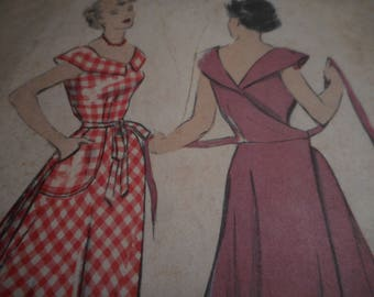 RARE Vintage 1940's Butterick 4899 Wrap-Around Dress Sewing Pattern Size 16 Bust 34
