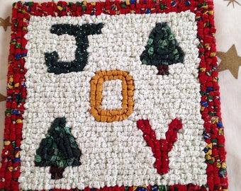 Locker Hooking Trivet - Joy