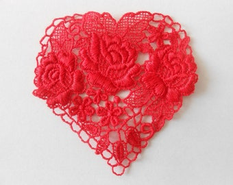 Red heart lace 7 cm.