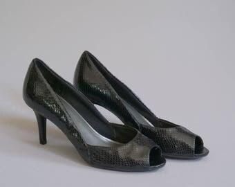 Vintage Black Snakeskin Peep-Toe Stilettos / Size 7.5