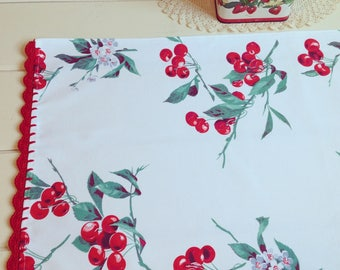 vintagey Wilendur cherry tablecloth table runner
