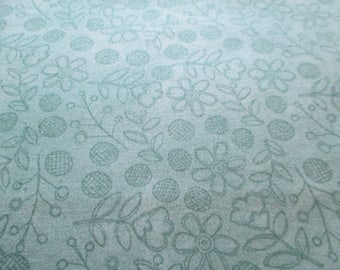 Quilting Weight Cotton Fabric Daisy Dance by Sue Zipkin for Clothworks 1 yard