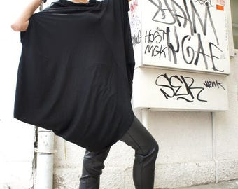SALE Loose Black  Asymmetrical Top / Short Sleeve Tunic / Extravagant Casual Oversize Top  A12072