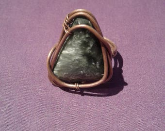 Handmade copper seraphinite wire wrap ring, seraphinite ring copper, wire wrap ring in copper with seraphinite, wrapped ring, gypsy jewelry