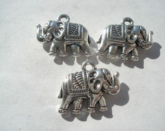 19mm Zinc Based Alloy 3D Boho Chic Charms, Antique Silver Elephant Charms, Pack of 3 Charms, C145