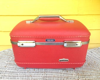 Vintage 1950s Red American Tourister Tiara Train Case Luggage with Vanity Tray and Built in Mirror