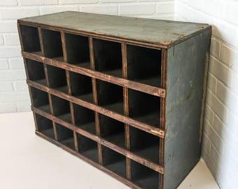 Vintage Solid Wood Pigeon Hole Cabinet 20 Cubbies Craft Storage Office Mail Sorter Organizer