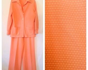 vintage pantsuit peach jacket and pants ladies pantsuit 1970s 70s pantsuit vintage jacket pants peach coral small pants peach small jacket