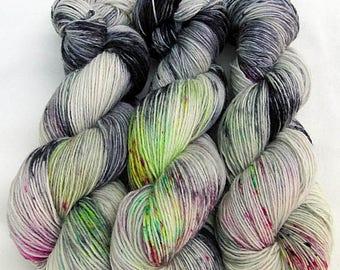Handdyed SockYarn, 75 Wool, 25 Nylon 100g 3.5 oz. Nr. 765