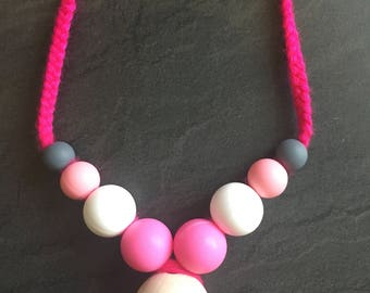 Teethin necklace in pink