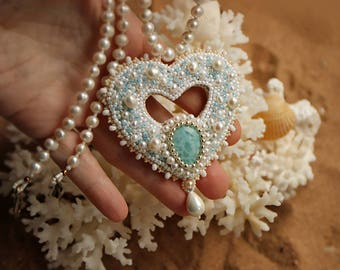 Heart of the ocean. Embroidered beaded necklace with larimar and freshwater pearls.