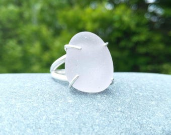 Large sun-kissed lavender sea glass & sterling silver ring// Size 10