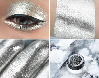 Eyeshadow: Silver Hoof - Undead. Magic silver eyeshadow by SIGIL inspired.