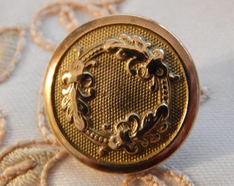 Circling Oak Leaves - B & Burnham Golden Age Button Circa 1834 - 1843