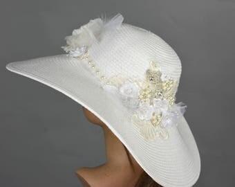 Wedding Hat Head Piece Kentucky Derby Hat Church Hat White Coctail Hat Couture Fascinator  Bridal Hat
