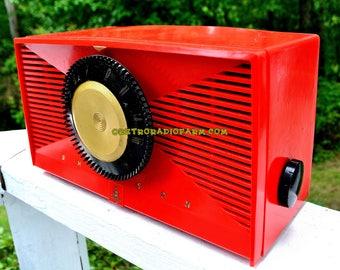 MATADOR RED Mid Century Vintage 1955 Emerson Model 812B Tube AM Clock Radio Rare Color Sounds Great!