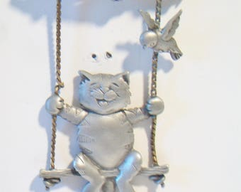 JJ Cat Swing Pin Kitten Brooch Whimsical Costume Jewelry Fashion Accessories For Her