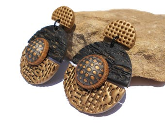 Beautiful handmade polymer clay stud earrings - gift for women -  Ethnique - black and bronze