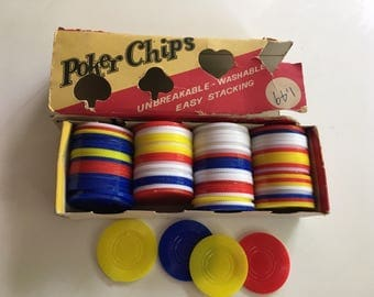 Poker chips / vintage Plastic Poker Chip Set