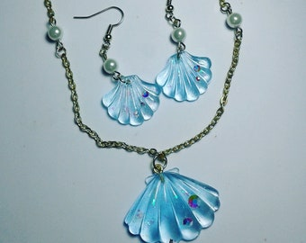 Clear blue seashells - necklace and earring set