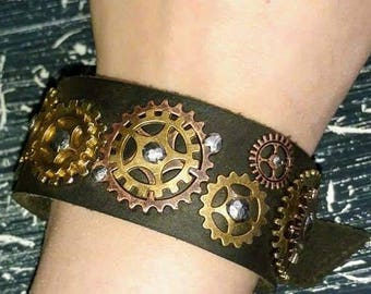 Steampunk style leather braclet