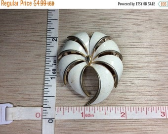 10% OFF 3 day sale Vintage Gold Toned White Enamel Pin Brooch Needs Cleaned Used