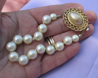 Vintage Carolee White & Champagne Colored Faux Pearl Bracelet Flaking TLC