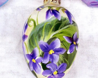 Painted Violets Egg Ornament ~ Cottage Chic ~ Hand Painted Easter Egg ~ Painted Eggs ~ Gardeners Gift ~ Handpainted Violets