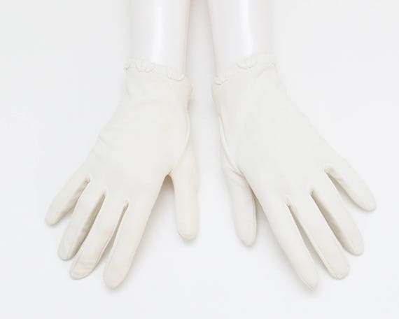 Vintage 1950s Short White Wedding Gloves - Size 7