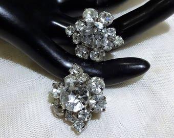 Pretty Vintage  Clear Rhinestone Flower Earrings