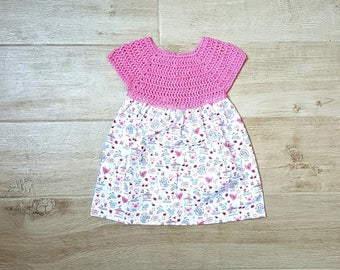 Pink and white baby girl dress with print mice, crochet, unique piece, size 6/9 months