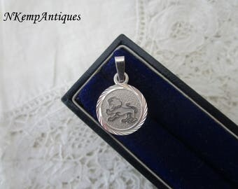 Real silver lion pendant