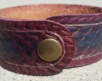 Dragonscale Bracelet Cuff:Purple/blue with gold