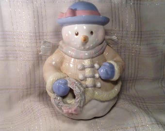 "Large Snowman Christmas Statue, Figurine - Bundled Up - Indoor Mantle Piece or Fireplace Decor - Porch, Outdoor Patio Decor - 10"" Tall"