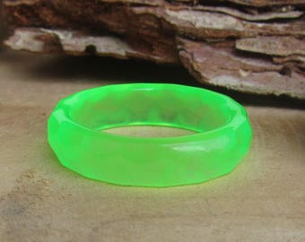 green glow ring, glow in the dark ring band, glowing ring, resin ring, extra thin ring, faceted ring, glow band, glow ring resin, handmade