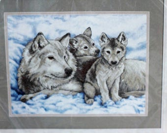 """Sunset Stamped Cross stitch kit Mother Wolf And Pups #13130 Sealed 2007 16"""" x 12"""""""