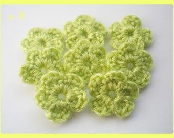 8 flowers applique crochet woolen 2.5 cm light green