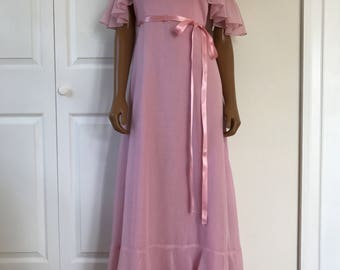 1970s Prom Bridesmaid Dress Soft Pink Maxi Over the Shoulders Bohemian Size S
