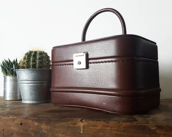 French Vintage Vanity Case, Travel Case, Makeup case, Ovenight bag/ Retro luggage/ Vintage luggage