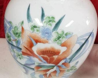 vase,asian vase,home decor