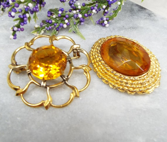 Vintage / Set of 2 Gold Tone Citrine Crystal Set Large Statement Brooch Pins